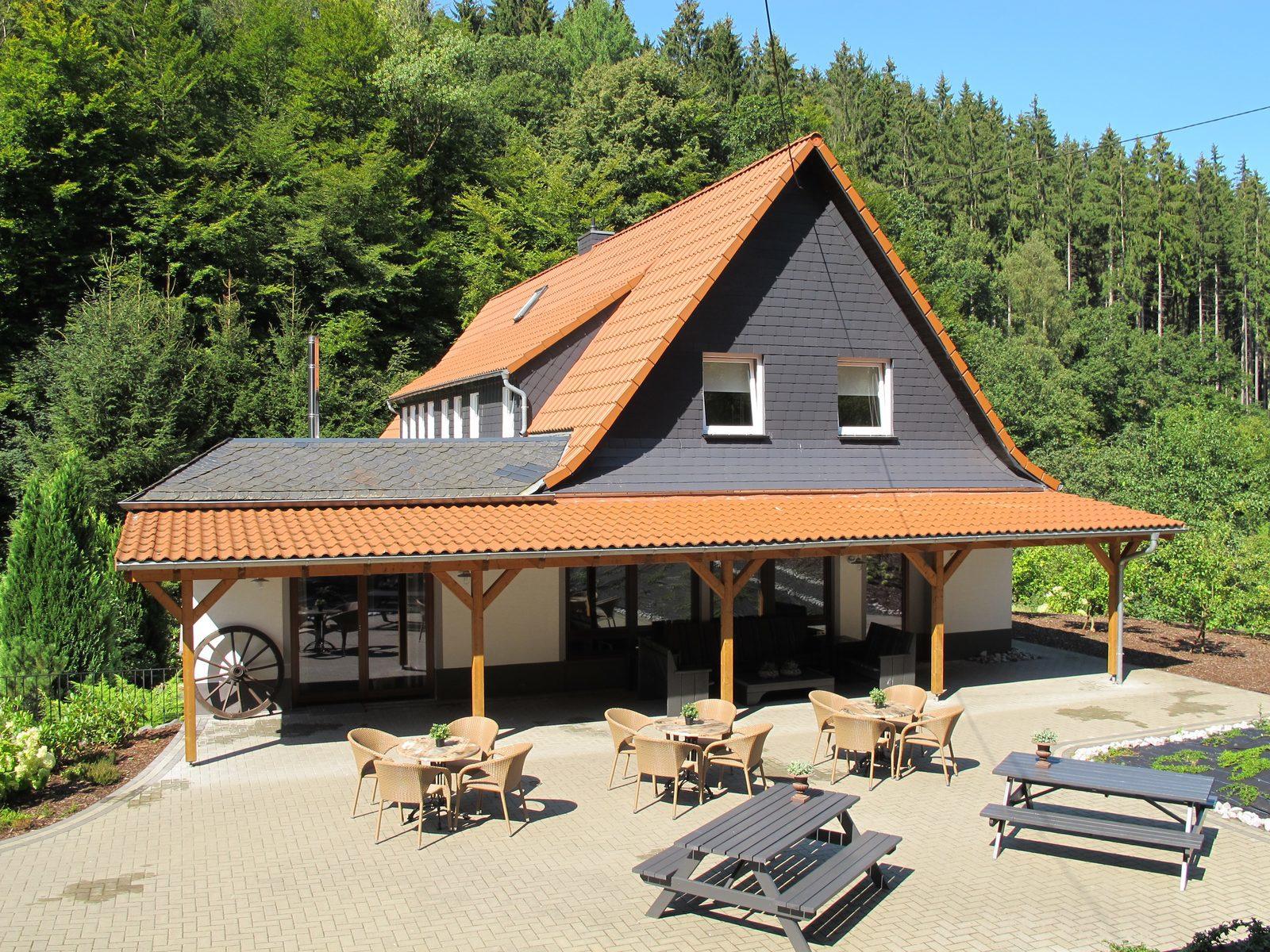 Duitsland, Westerwald, Schutzbach, vakantievilla, groepen, weekendje weg, luxe, jacuzzi, sauna, wandelen