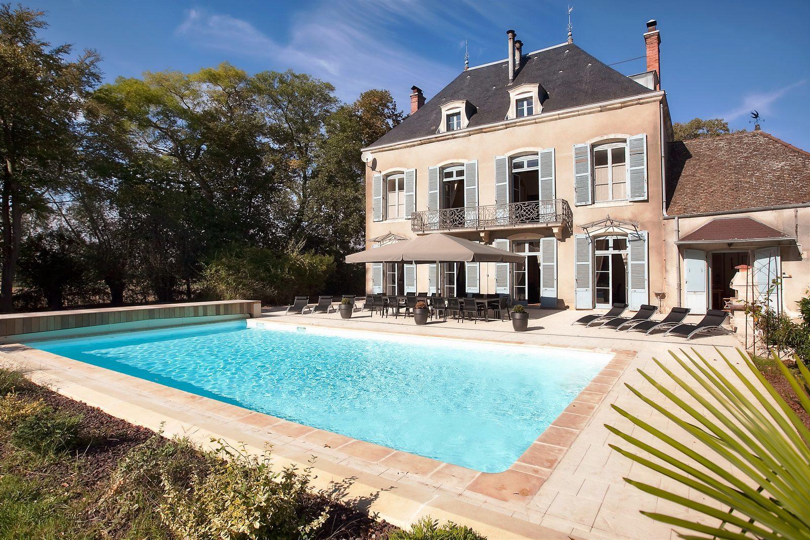 Bourgogne, Lans, le Kastel, les Kasteliades, groot, luxe, vakantievilla, kasteel, chateau, zwembad, sauna, fitness