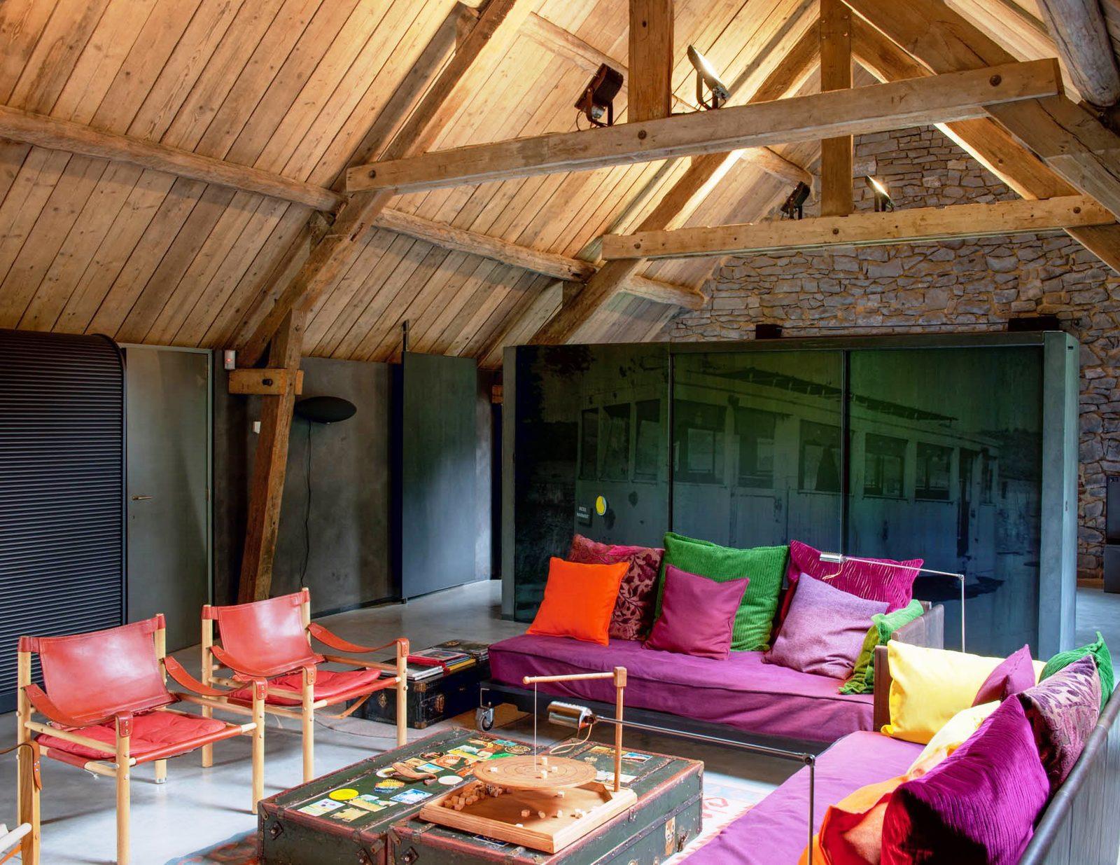 Belgie, Ardennen, Bioul, la Micheline, luxe, hip, design, groot vakantiehuis, Station