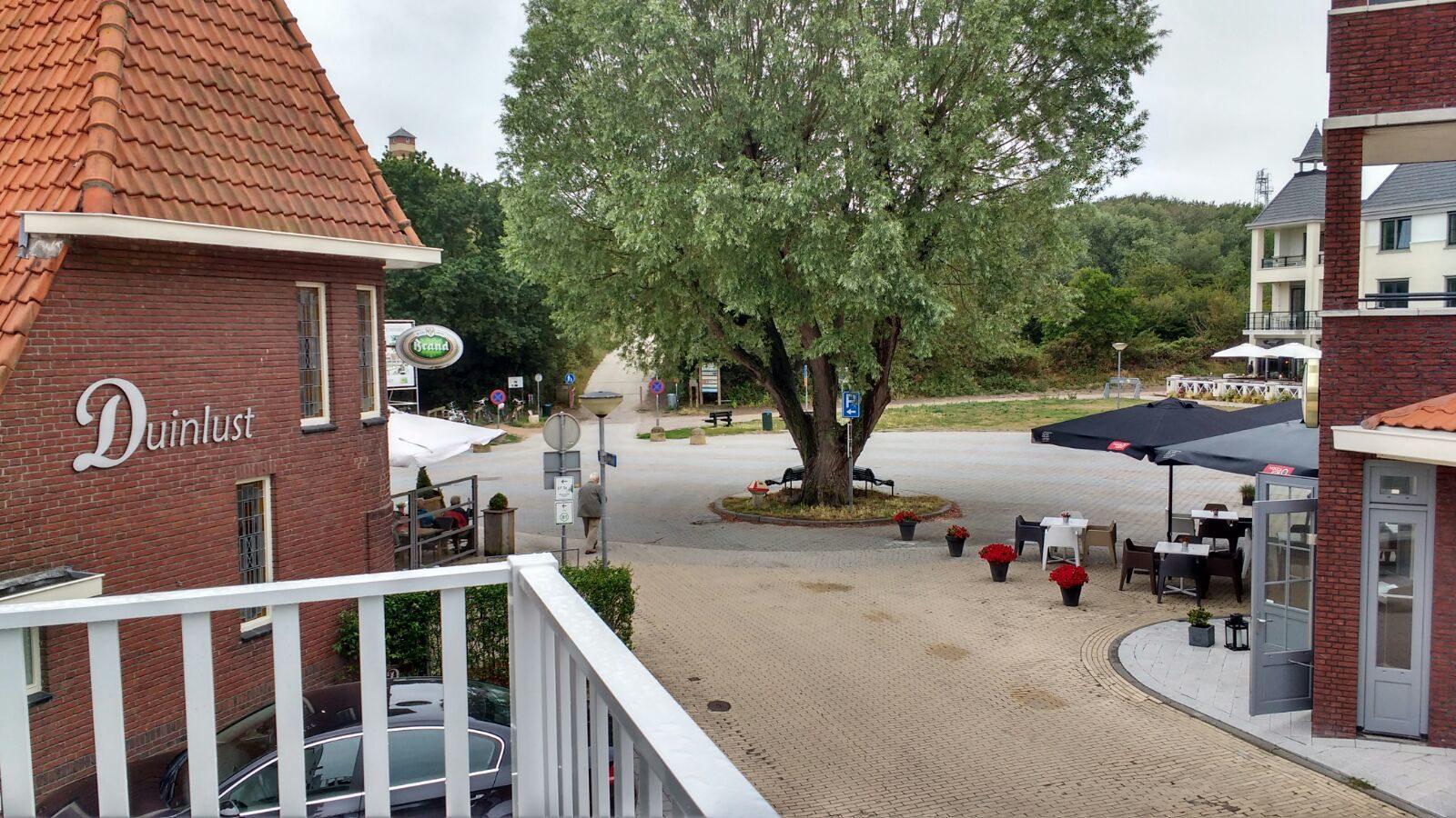 Uitzicht vanaf balkon D8