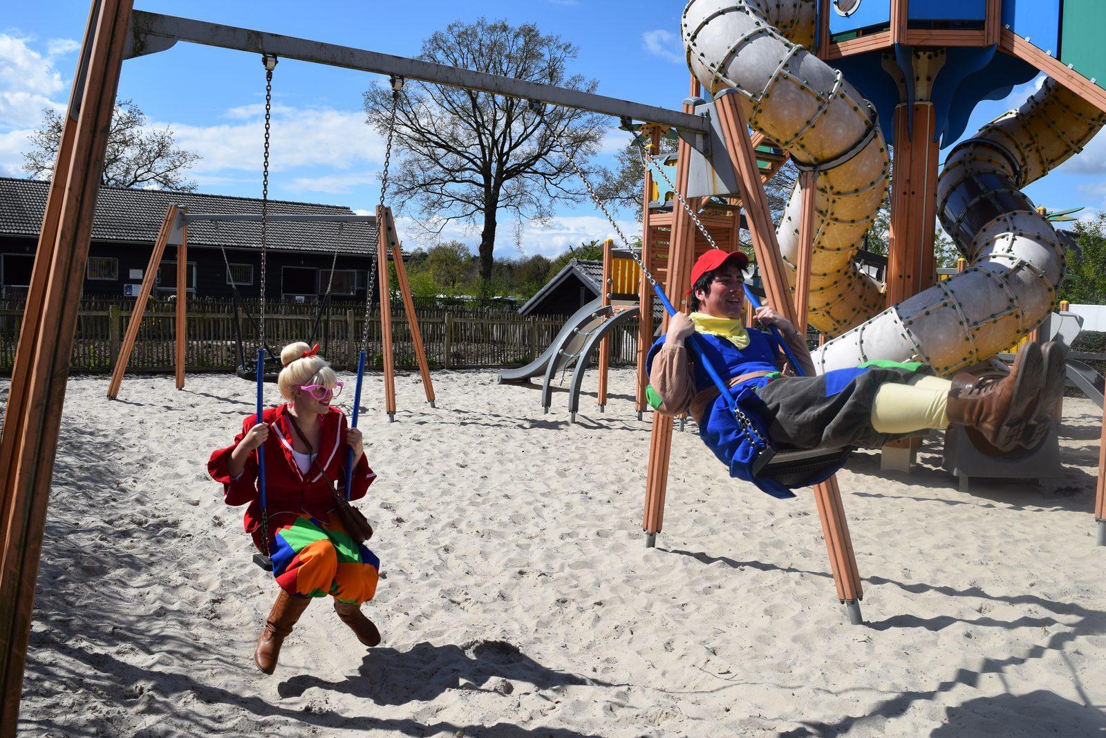 Mascottes Keessie en Willie op de Veluwe | Recreatiepark De Boshoek