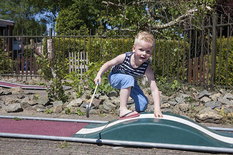 Midgetgolf tijdens vakantie op de Veluwe | Recreatiepark De Boshoek
