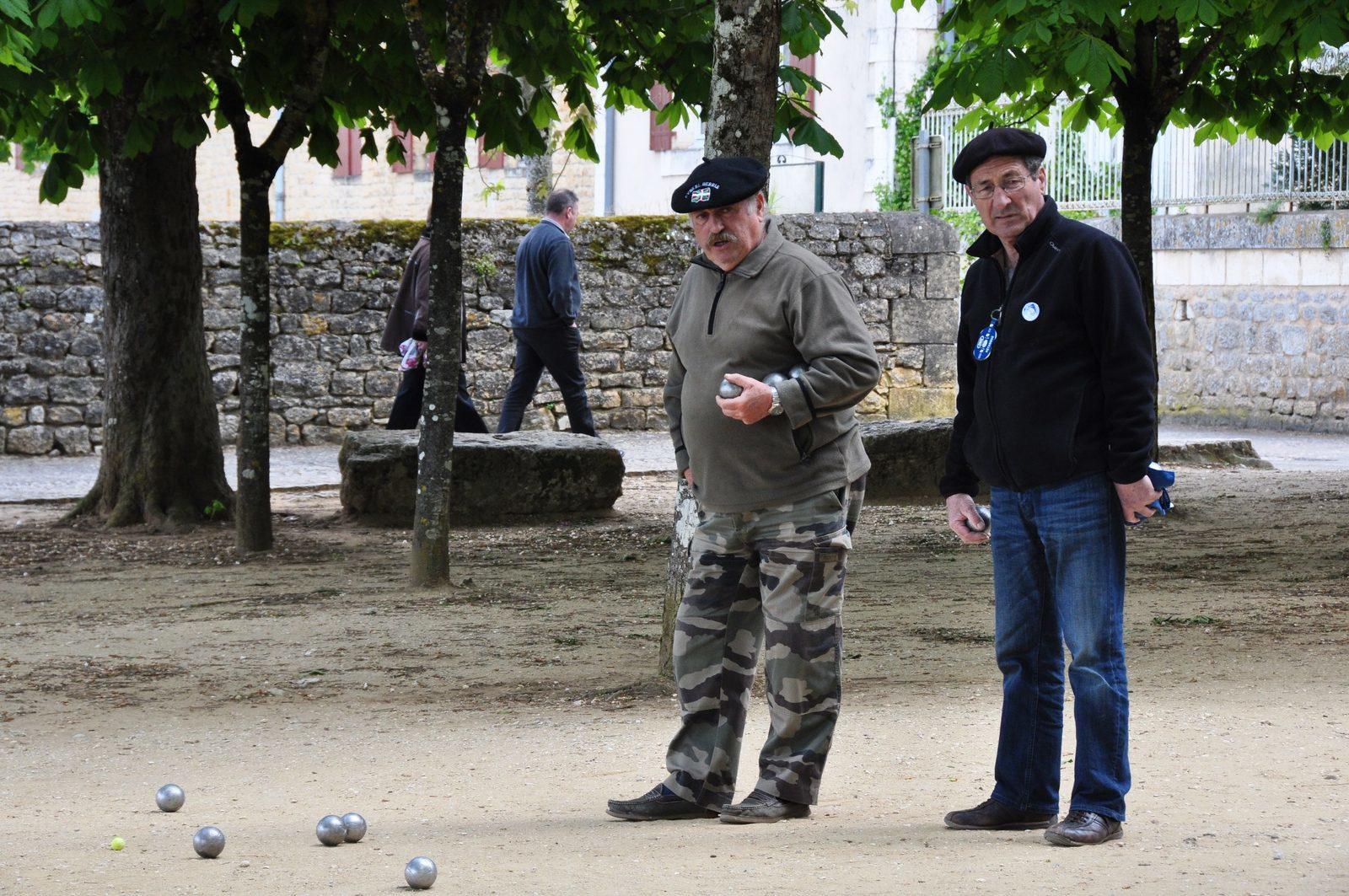Frankrijk, vakantie, vakantiehuis, dorpjes, jeu de boules, genieten, Dordogne