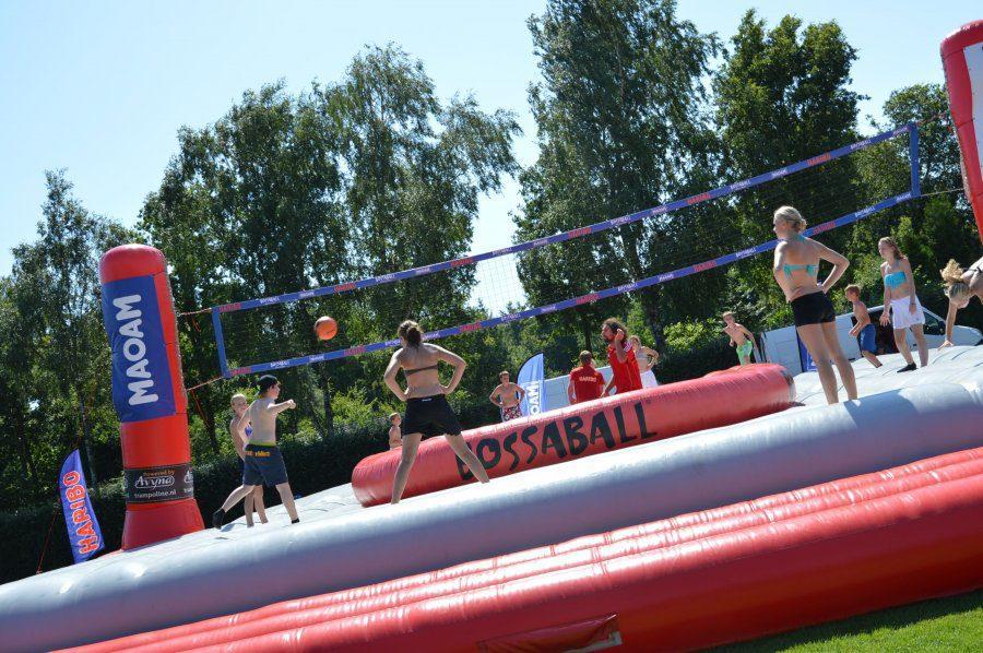 Bossaball op vakantiepark 't Rheezerwold