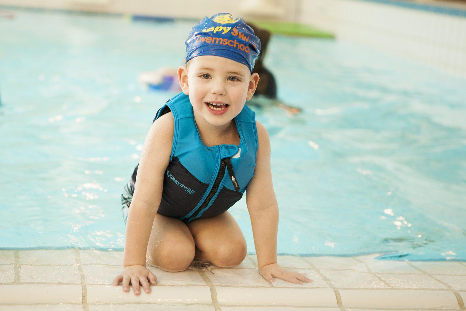 Zwemdiploma halen tijdens vakantie van 2 weken op Recreatiepark De Boshoek
