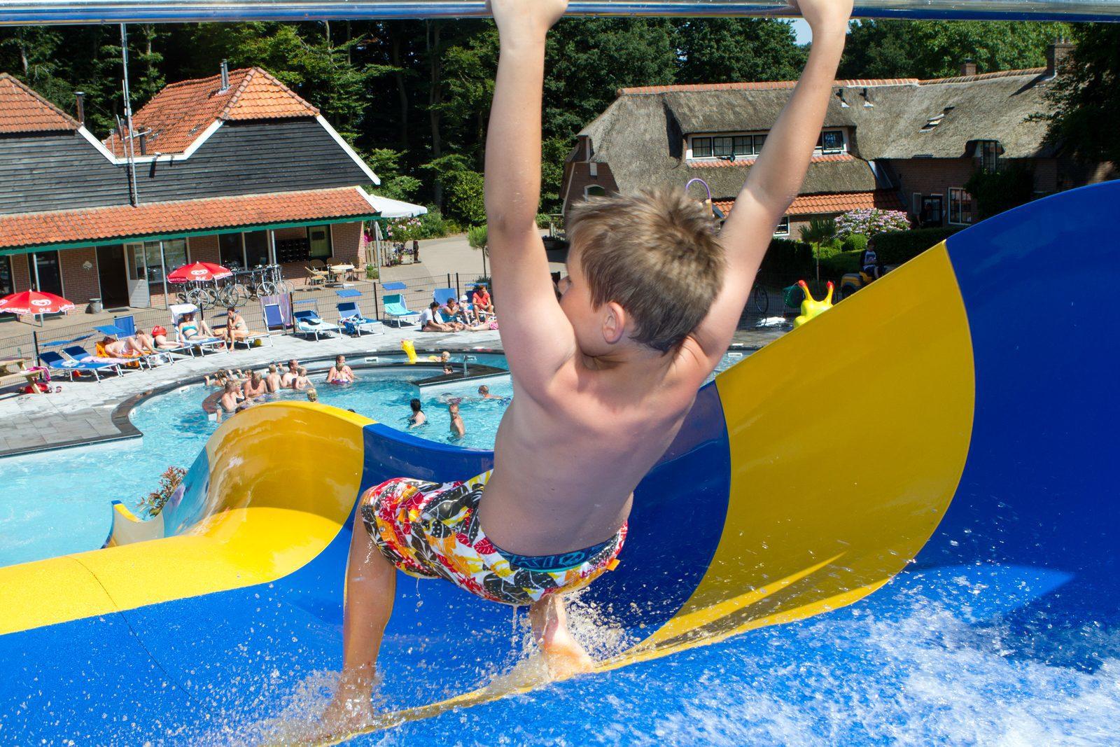 Glijbaan Zwembad Camping de Koeksebelt