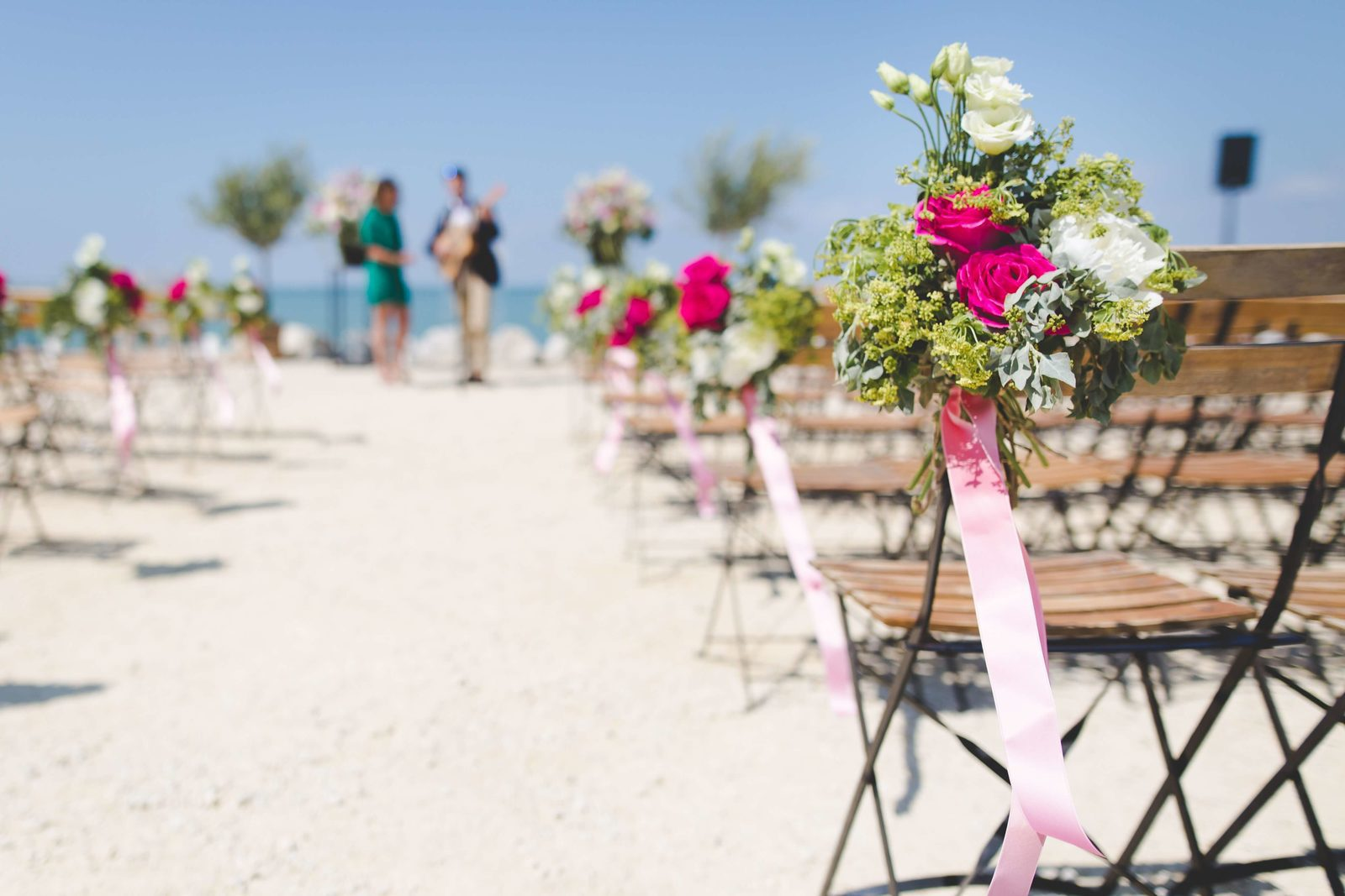A Bonaire wedding; who doesn't want to marry at a great place like this? Declare your love at the beach and dance with your partner!