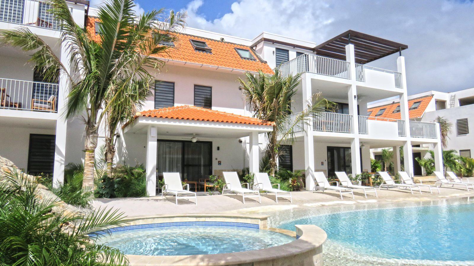 Bekijk Resort Bonaire, een nieuw resort op het mooie Bonaire. De luxe appartementen op Resort Bonaire zijn geschikt voor vier en zes personen.