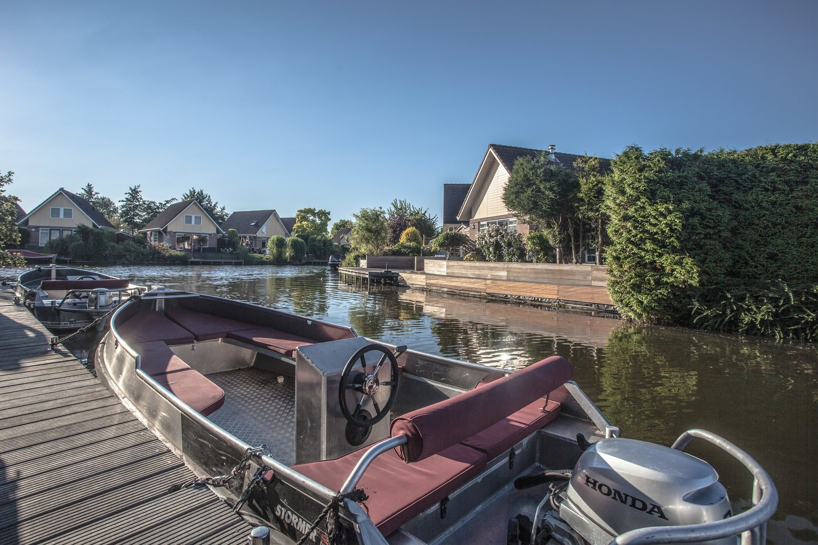 Last-minute holiday park at the waterside