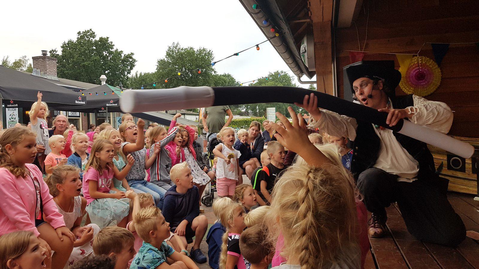 Piratenshow Zeebeen op De Boshoek