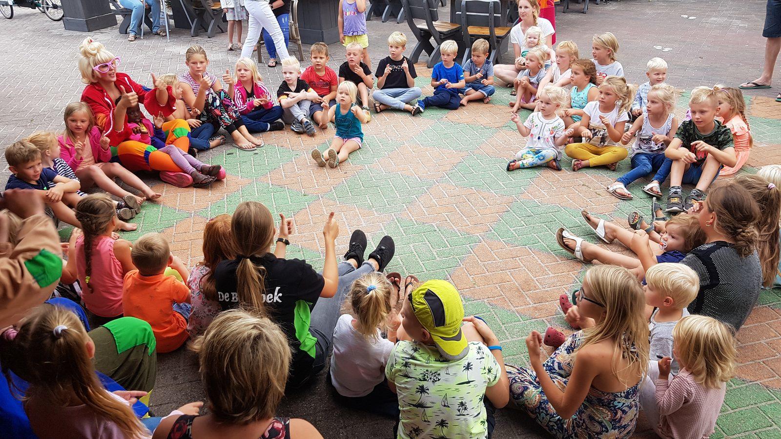 Animatie voor jong en oud op Recreatiepark De Boshoek op de Veluwe