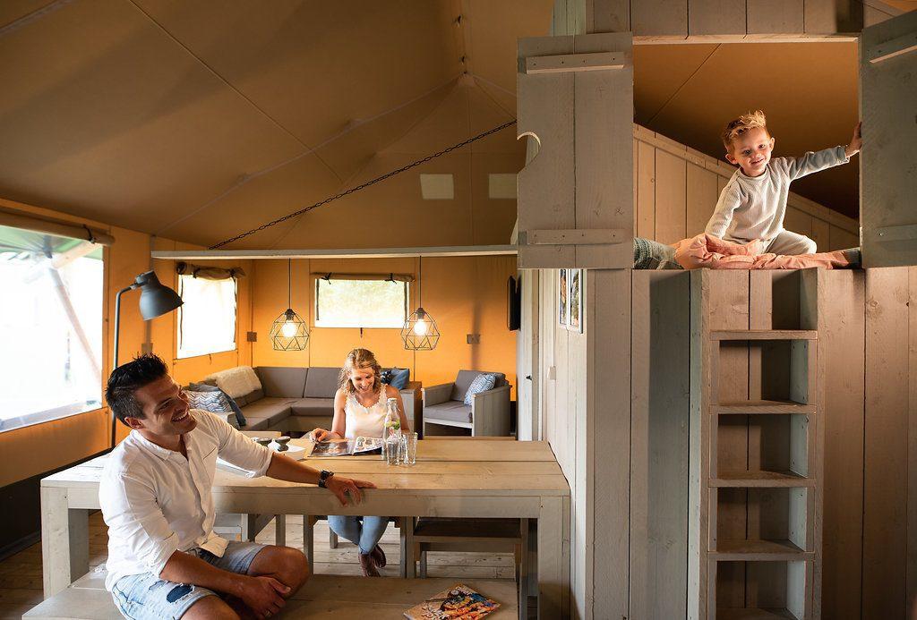 Luxe kamperen met glamping op de Veluwe op Recreatiepark De Boshoek
