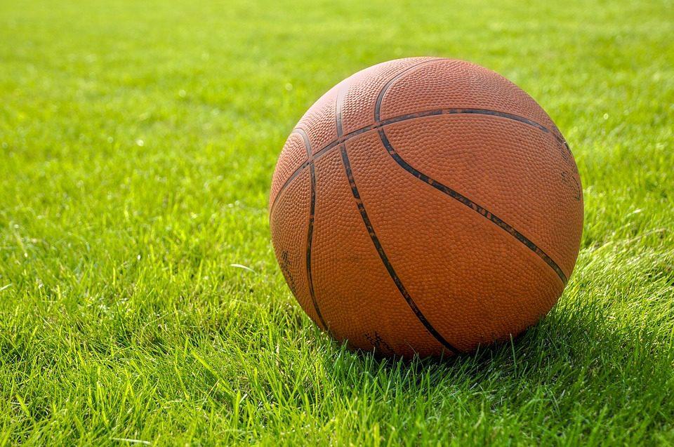 Basketballen op de camping