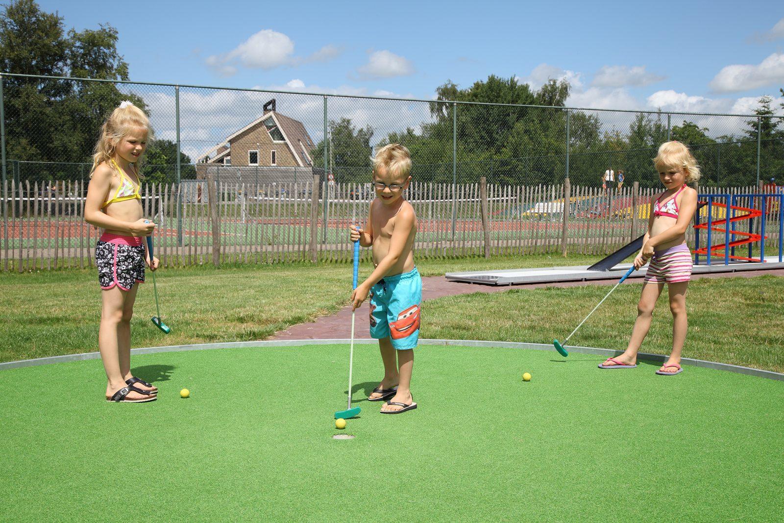 Midget-putt-golf