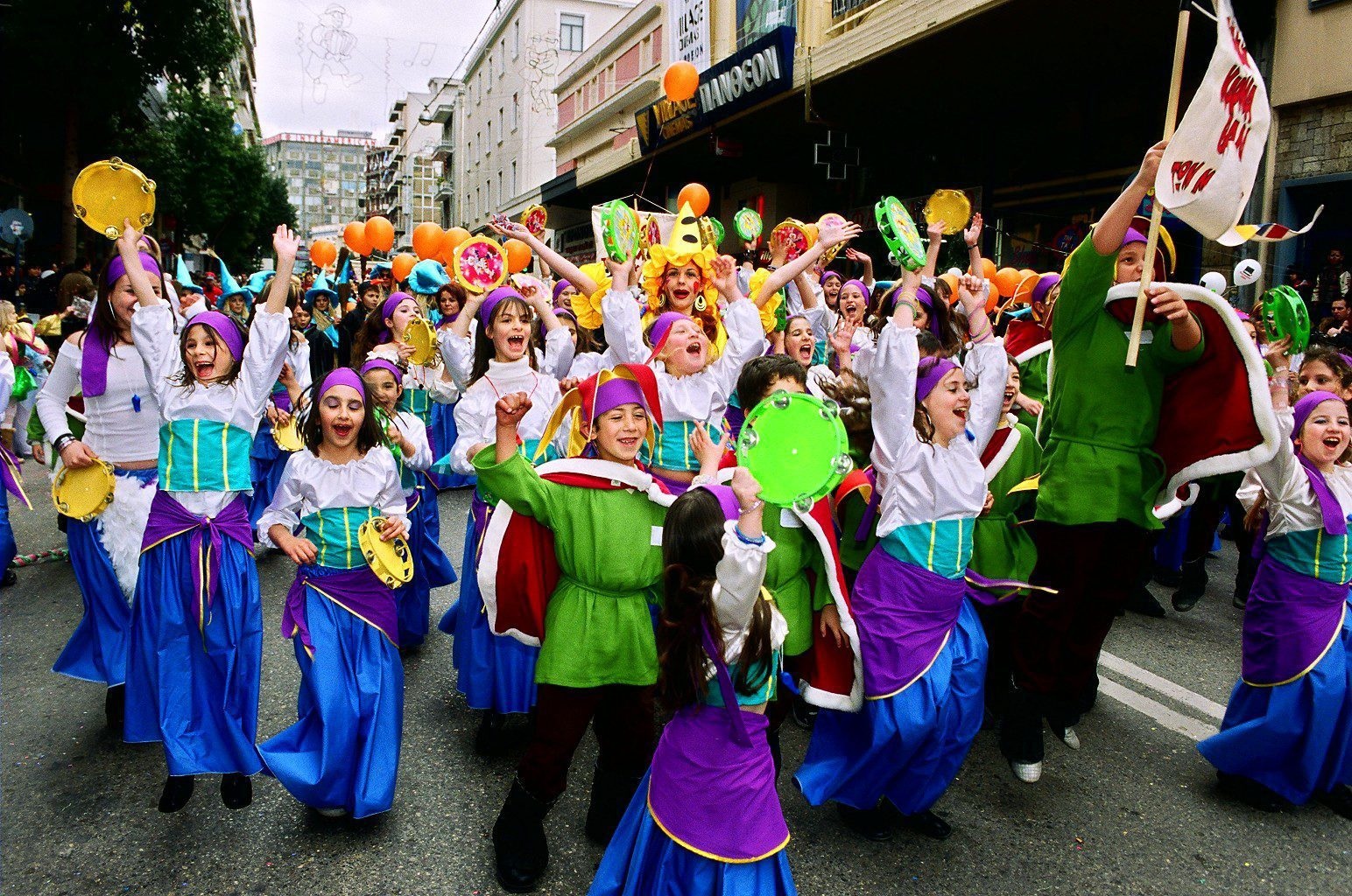 La parade de carnaval des enfants à Kralendijk