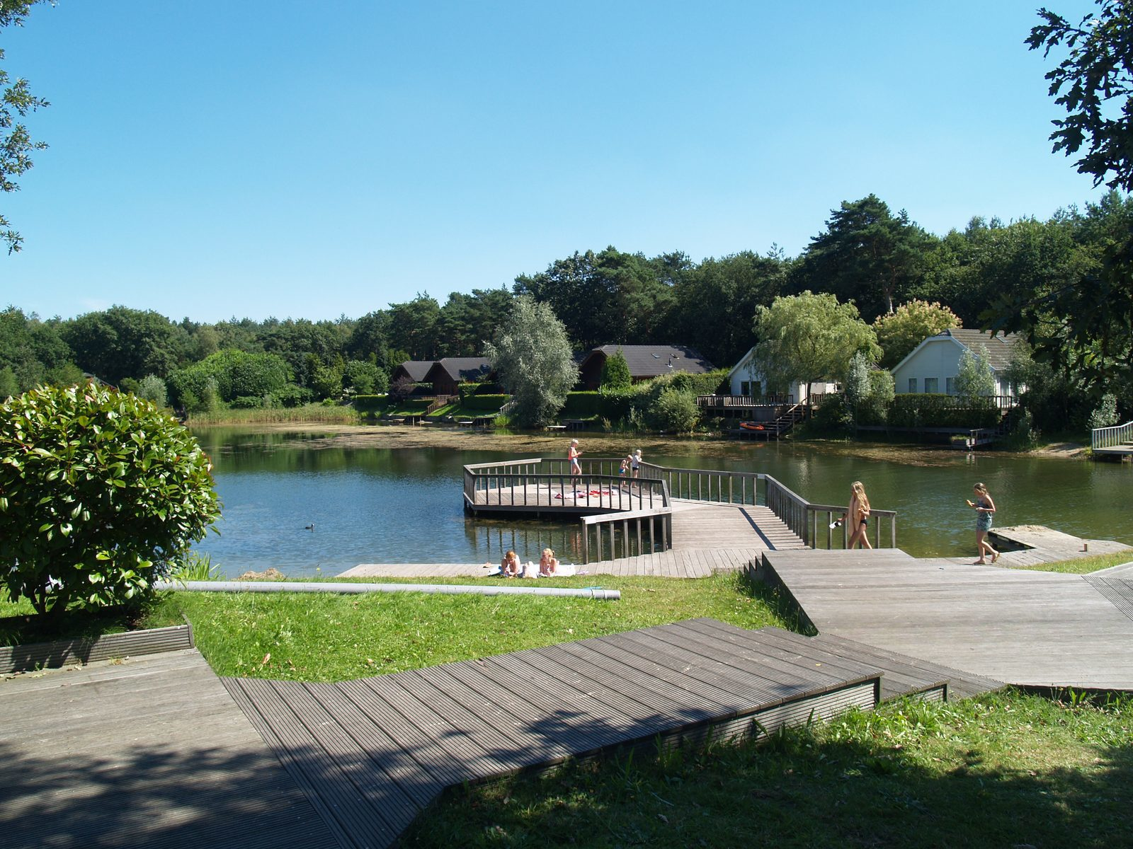 EuroParcs Resort De Achterhoek facilities recreational lake